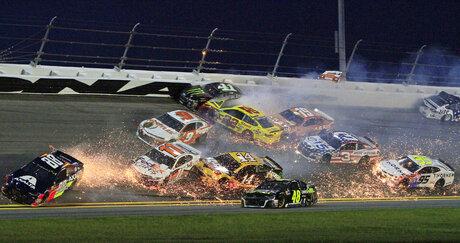 APTOPIX NASCAR Daytona Auto Racing