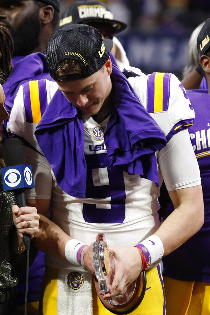 Burrow, No. 1 LSU vs. Hurts, No. 4 Oklahoma in Peach Bowl