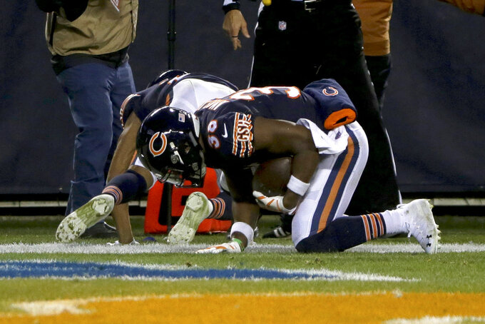Bears' Amos, Eagles' Bennett fined for roughness in playoffs