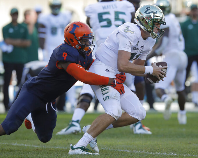 Barnett rallies South Florida to 25-19 win over Illinois