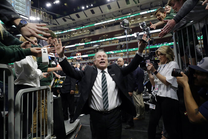 Izzo, Self among the college coaches who shined this season