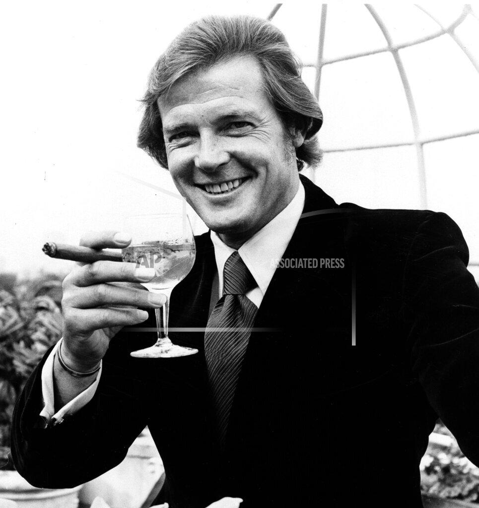 Associated Press International News England United Kingdom Entertainment ROGER MOORE IS 007