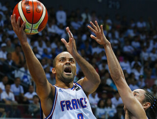 Tony Parker, Jeff Chan