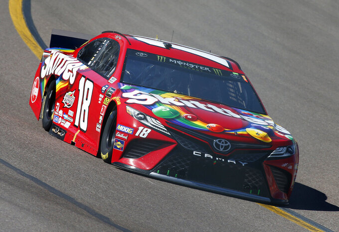 Kyle Busch drives during the NASCAR Cup Series auto race at ISM Raceway, Sunday, March 10, 2019, in Avondale, Ariz. (AP Photo/Ralph Freso)