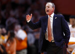 Tennessee coach Rick Barnes talks to his players during the first half of an NCAA college basketball game against Vanderbilt on Tuesday, Feb. 19, 2019, in Knoxville, Tenn. (AP photo/Wade Payne)