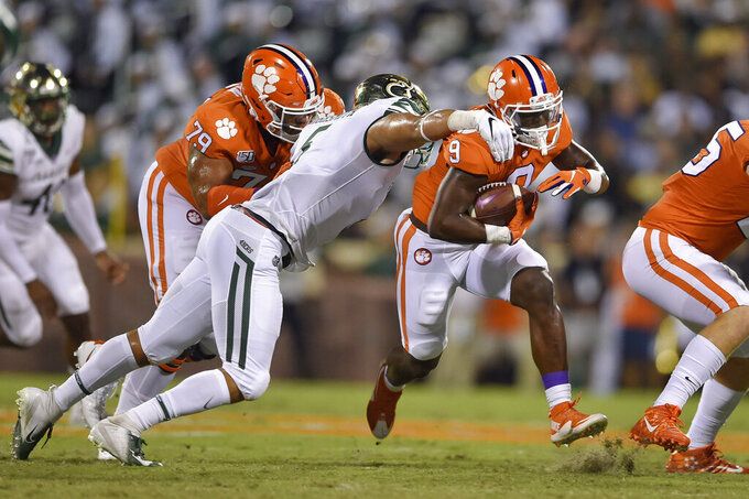 No. 1 Clemson blasts Charlotte 52-10 for 19th straight win