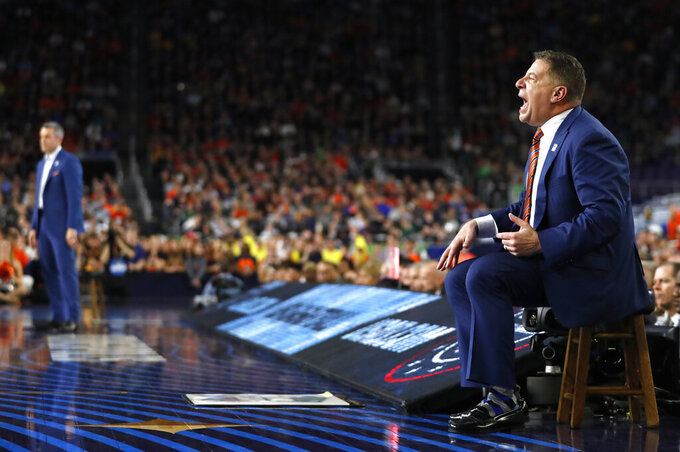 Auburn head coach Bruce Pearl shouts to his team during the second half against Virginia in the semifinals of the Final Four NCAA college basketball tournament, Saturday, April 6, 2019, in Minneapolis. (AP Photo/Jeff Roberson)