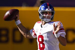 New York Giants quarterback Daniel Jones (8) passing the ball in first half of an NFL football game between against the Washington Football Team, Sunday, Nov. 8, 2020, in Landover, Md. (AP Photo/Patrick Semansky)