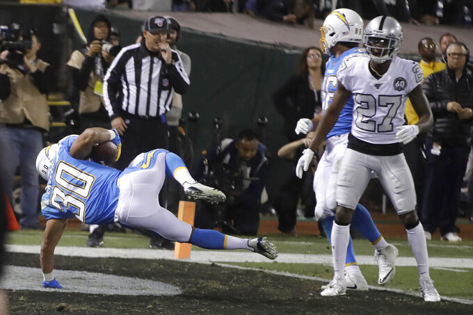 Rivers' 3 INTs send Chargers to 26-24 loss to Raiders