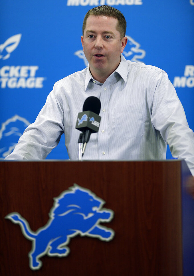 Detroit GM Bob Quinn stands behind Stafford as Lions QB