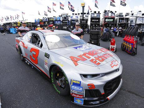 NASCAR Darlington Auto Racing