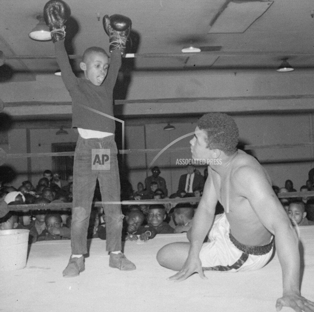 Associated Press Sports New York United States Boxing ALI SCHOOLCHILDREN