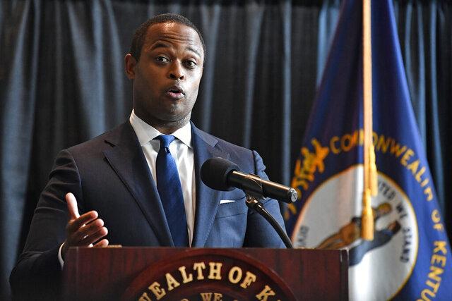 El fiscal general de Kentucky Daniel Cameron habla sobre el caso Breonna Taylor, en Frankfort, Kentucky, el 23 de septiembre de 2020. (AP Foto/Timothy D. Easley)
