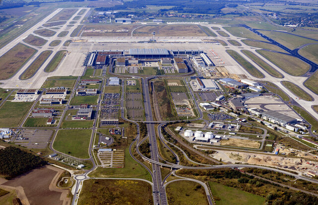 File--- File picture taken Sept. 15, 2020 shows aerial view of the future airport Berlin Brandenburg