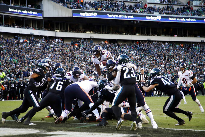 Chicago Bears' David Montgomery (32) scores a touchdown during the second half of an NFL football game against the Philadelphia Eagles, Sunday, Nov. 3, 2019, in Philadelphia. (AP Photo/Matt Rourke)