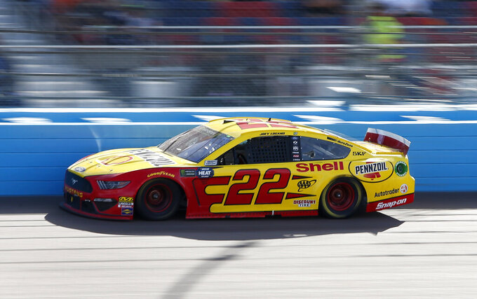 Joey Logano drives during the NASCAR Cup Series auto race at ISM Raceway, Sunday, March 10, 2019, in Avondale, Ariz. (AP Photo/Ralph Freso)
