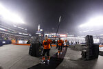 Philadelphia Flyers' Claude Giroux acknowledges the crowd as he walks to the locker room after scoring during overtime of an NHL Stadium Series hockey game against the Pittsburgh Penguins at Lincoln Financial Field, Saturday, Feb. 23, 2019, in Philadelphia. Philadelphia won 4-3. (AP Photo/Matt Slocum)