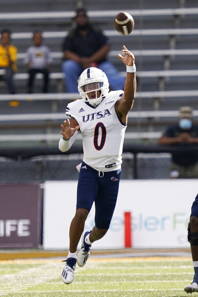 UTSA quarterback Frank Harris (0) passes against Southern Mississippi during the first half of an NCAA college football game, Saturday, Nov. 21, 2020, in Hattiesburg, Miss. (AP Photo/Rogelio V. Solis)