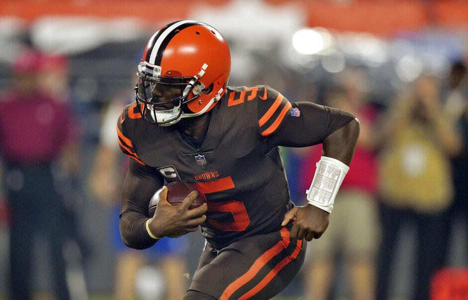 Browns-Taylor Back Football