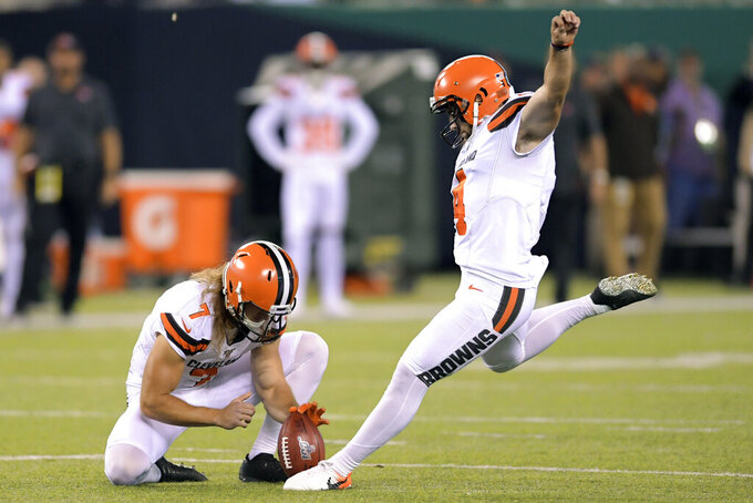 Cleveland Browns Austin Seibert (4) kicks a field goal during the first half of an NFL football game against the New York Jets, Monday, Sept. 16, 2019, in East Rutherford, N.J. (AP Photo/Bill Kostroun)