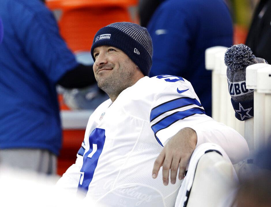 Cowboys Romo Retiring Football