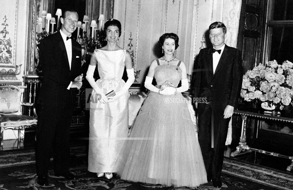 Associated Press International News England United Kingdom ELIZABETH II AND KENNEDYS 1961