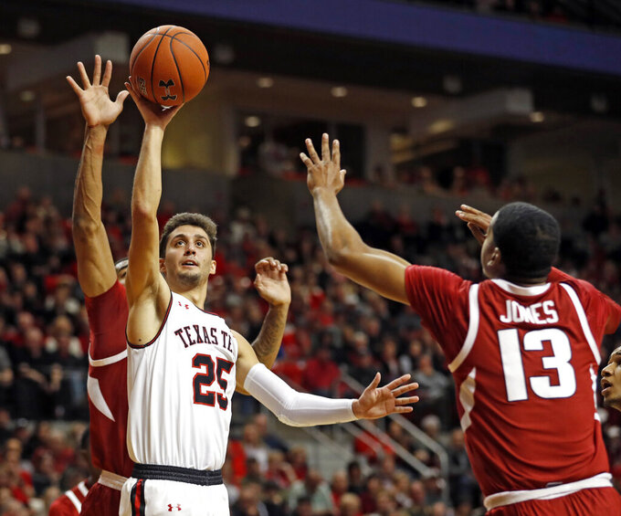 Moretti, No. 14 Texas Tech top Arkansas 67-64