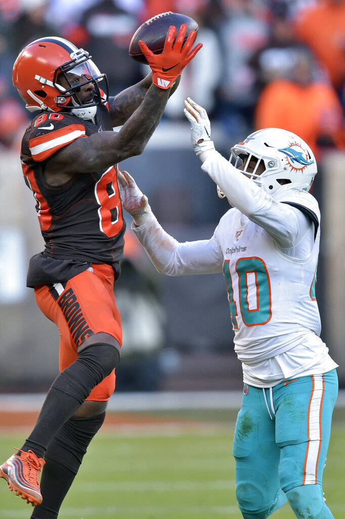 Cleveland Browns wide receiver Jarvis Landry (80) catches a pass for a first down during the second half of an NFL football game against the Miami Dolphins, Sunday, Nov. 24, 2019, in Cleveland. (AP Photo/David Richard)