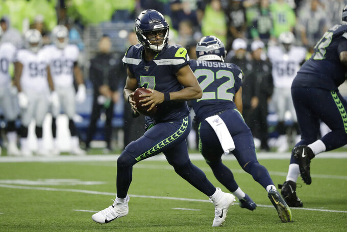 Seahawks down to 1 QB after cutting Geno Smith, Paxton Lynch
