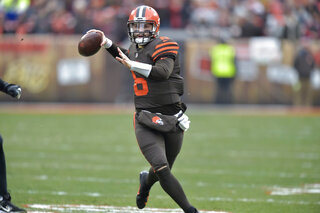 Browns-Mayfield Football