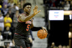 Georgia's Anthony Edwards dribbles while gesturing to teammates during the first half of an NCAA college basketball game against Missouri on Tuesday, Jan. 28, 2020, in Columbia, Mo. (AP Photo/Jeff Roberson)