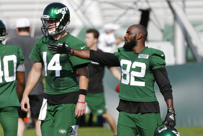 New York Jets Jamison Crowder, right, talks with quarterback Sam Darnold during practice at the NFL football team's training camp in Florham Park, N.J., Thursday, July 25, 2019. (AP Photo/Seth Wenig)