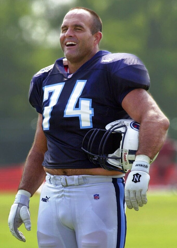 FILE — This July 26, 2000, file photo shows Tennessee Titans offensive lineman Bruce Matthews at a practice in Nashville, Tenn. Matthews, a member of the NFL Football Hall of Fame, was the No. 9 pick overall out of Southern Cal and wound up one of the NFL's ironmen, playing 296 games over 19 seasons. (AP Photo/Mark Humphrey, File)