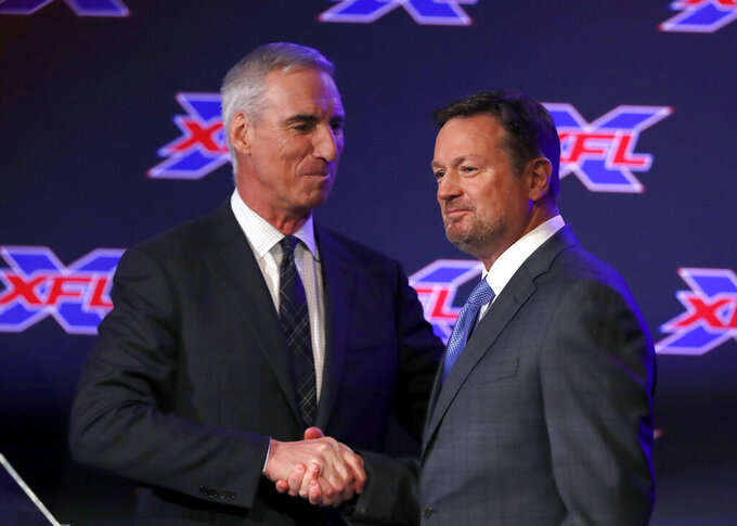 Ex-Oklahoma coach Bob Stoops back with XFL's Dallas team