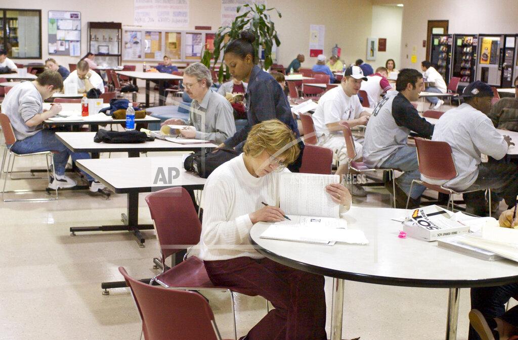 Associated Press Domestic News Nebraska United States Advance COMMUNITY COLLEGES
