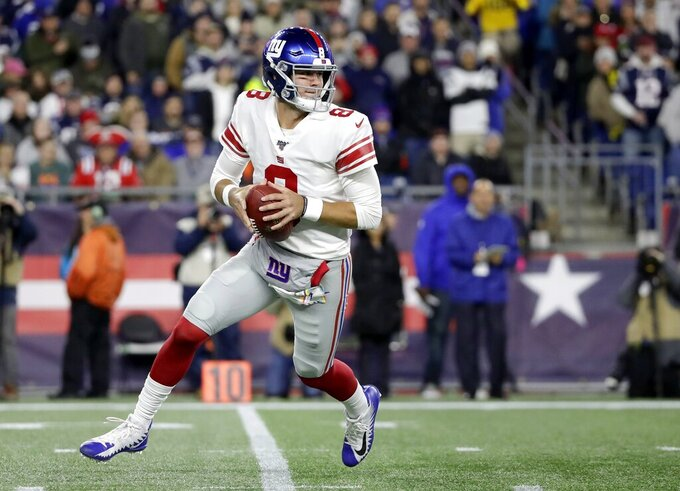 Giants' Jones has 3 INTs in 35-14 loss to Patriots