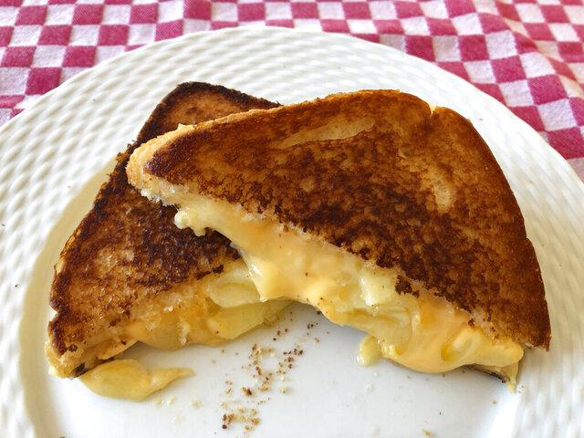 This Jan. 26, 2020, photo shows a grilled cheese sandwich prepared in Amagansett, N.Y. (Elizabeth Karmel via AP)
