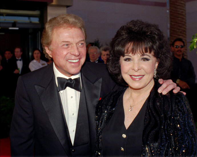 FILE - In this May 30,1998 file photo, singer Steve Lawrence and his Eydie Gorme arrive at the black-tie gala called
