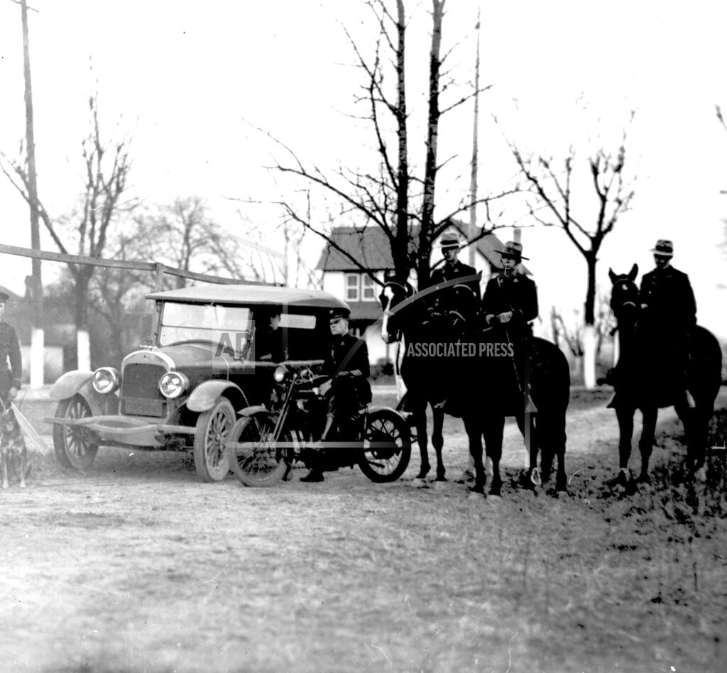 AP I USA STATE POLICE DURING PROHIBITION 1924