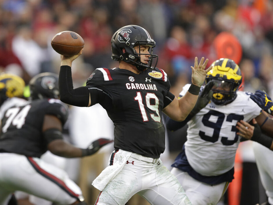 South Carolina Quarterback Play Football
