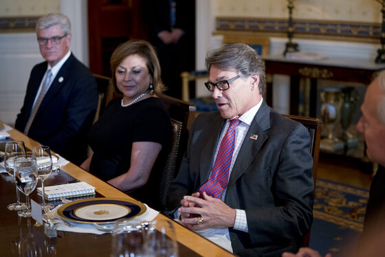 Rick Perry, Phil Bryant, Susana Martinez