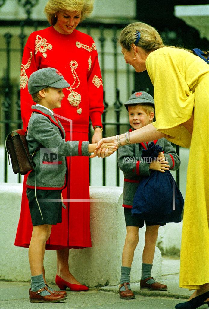 Watchf Associated Press International News   England United Kingdom APHS66211 School Days For Princes 1989