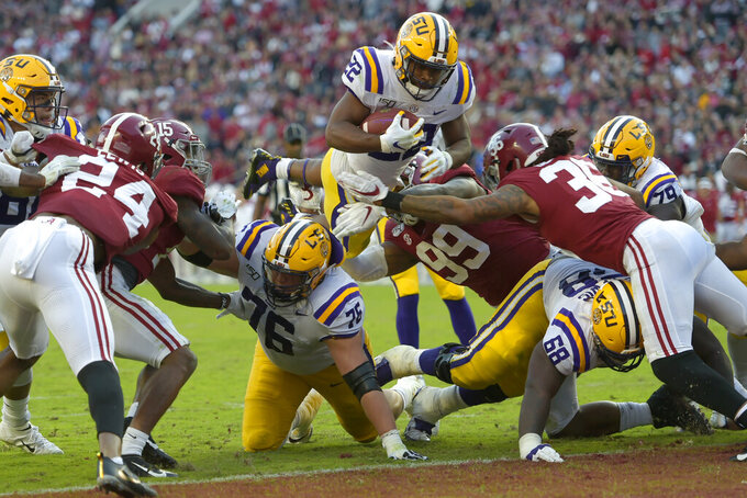 No. 1 LSU holds off No. 2 Alabama 46-41