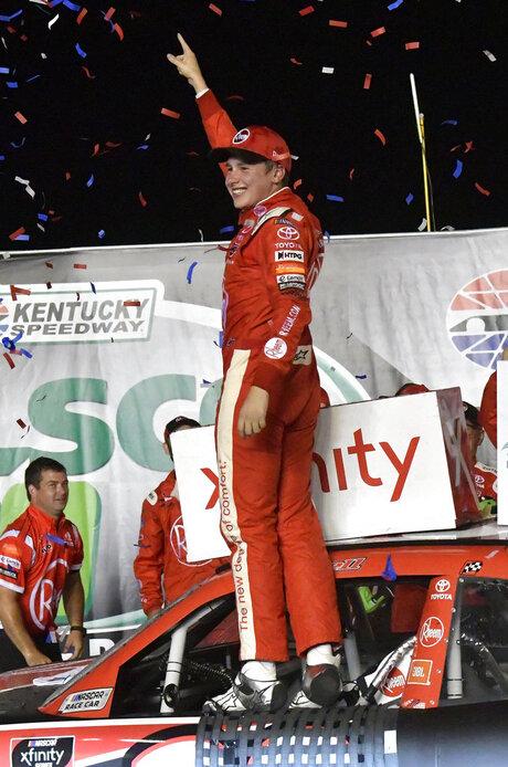 NASCAR Kentucky Xfinity Auto Racing